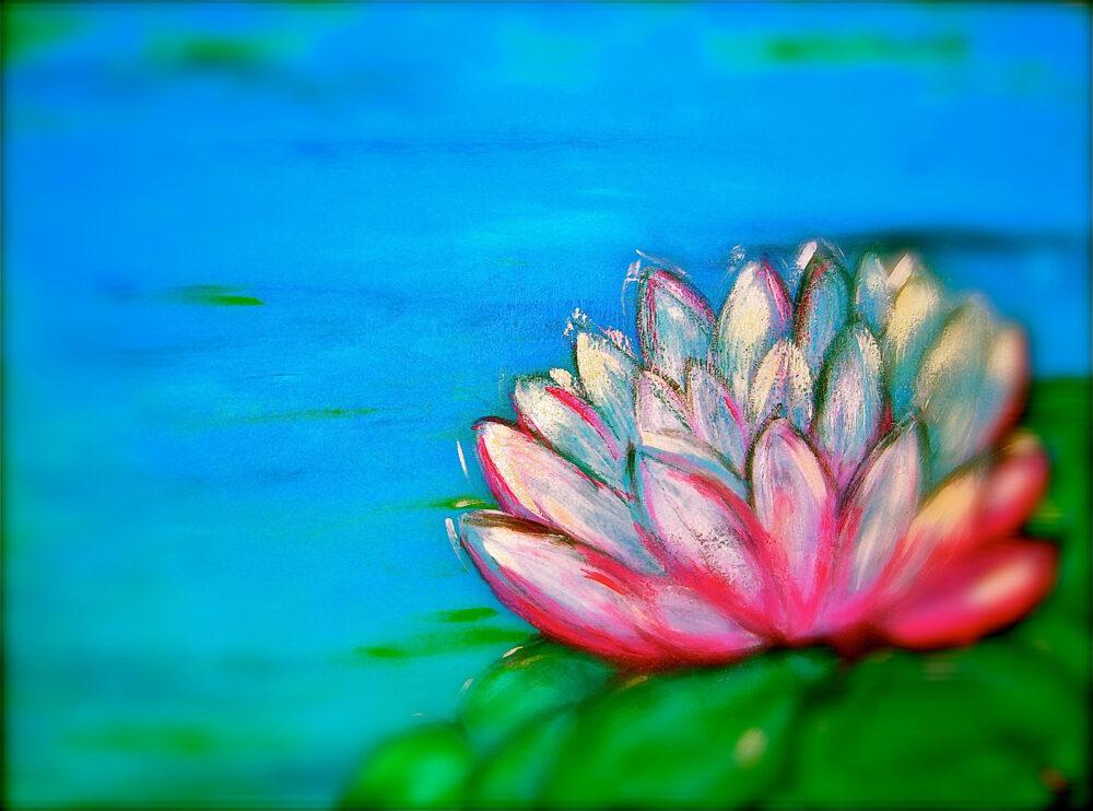 Das Gemälde Kleine Seerose zeigt vorne rechts eine Seerose in den Farben weiss, pink und rosa, teils scharf, auf grünem Blatt. Der See im Hintergrund ist verschwommen blau. Das Gemälde soll an Fotos erinnern, die einen Teil des Abgebildeten unscharf maskiren.