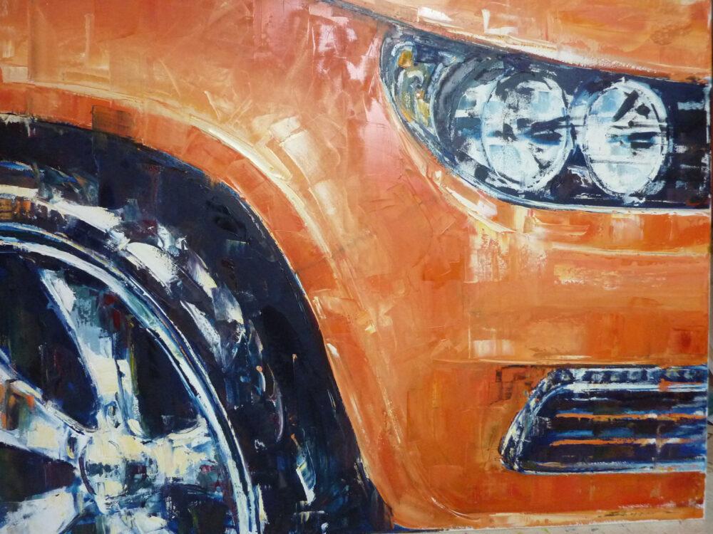Das Gemälde Kotflügel zeigt den Kotflügel eines orangefarbenen Wagens und entstand in Zusammenarbeit mit dem Künstler Carl Sebastian Lepper