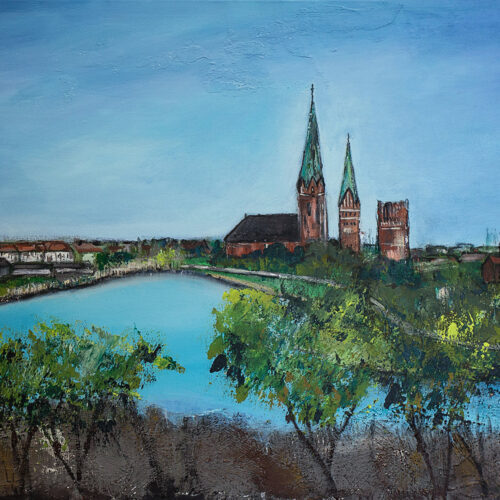Das Gemälde Lüne-Türme zeigt den Blick vom Lüneburger Kreideberg auf den Kreidebergsee mit seinen Bäumen und die Stadt mit den Türmen der Nicolaikirche, Johanniskirche, Wasserturm und Michaeliskirche in natürlichen, frischen und hellen Farben. Man erkennt auch einige kleinere Gebäude sowie die Baumreihe vor der Stadtmauer im Liebesgrund.