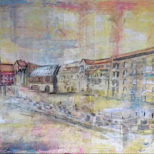 Das Gemälde Viskulenhof Lüneburg Brückenansicht zeigt das historische Gebäude der Hansestadt aus Sicht von der Reichenbachbrücke. Man sieht auch das Wasserviertel mit Brausebrücke, Alter Kran, Pons, im Hintergrund St. Johanniskirche. Sanfte Farben, verträumte Stimmung, Aquarellstil.