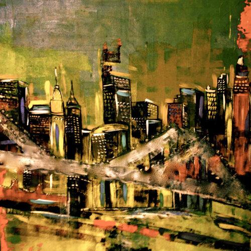 Nächtliche Impression einer Brücke in New York mit schwarzen Wolkenkratzern dahinter in Grün, Ocker-, Orange und Gelbtönen. Die Hochhäuser sind beleuchtet, die Brücke neblig.